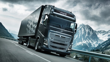 Volvo FH16 con I-Shift de doble embrague en la carretera